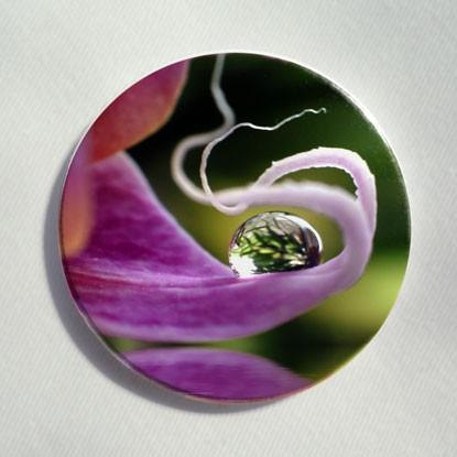 """Button """"Orchidee mit Wassertropfen"""""""