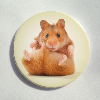"""Button """"sitzender Hamster"""""""